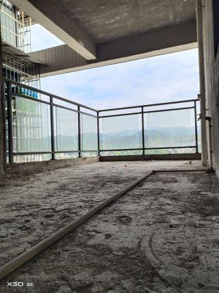 锦绣边城  4室2厅2卫  140m²  毛坯房