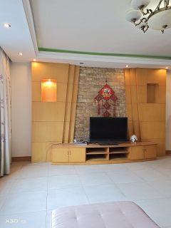 龙凤小区4室2厅2卫73.8万151.37m²出售